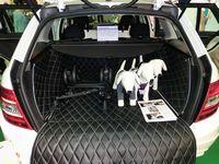 犬用の車用シートカバー。おしゃれです~。
