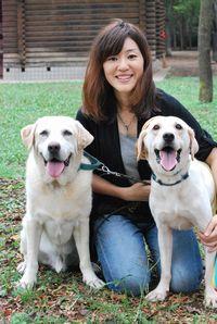最後は3人(匹?)で笑顔を見せてくれました!普段はドッグトレーナーとして活躍する岩渕さん。本当に犬が好きで犬の素晴らしさを、もっと広めていきたいと語っていました。